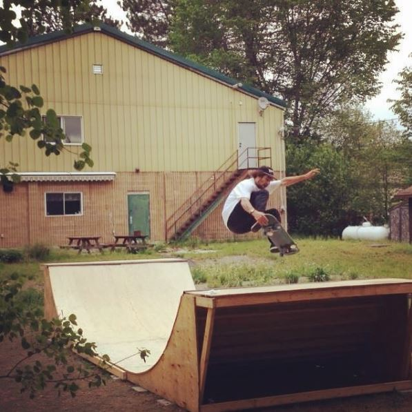 Skateboard Halfpipe Searchmont Mini Ramp